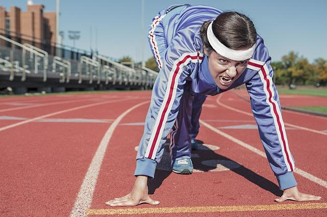 RyanMCGuire, cco, https://pixabay.com/en/running-sprint-cinder-track-498257/