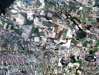 Luftbild der Grenzregion Tschechien (oben) und Österreich (unten)